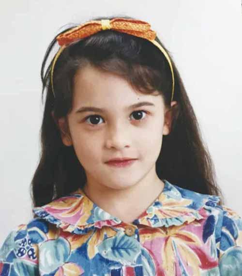 ハードキャッスル エリザベスの子役時代の写真