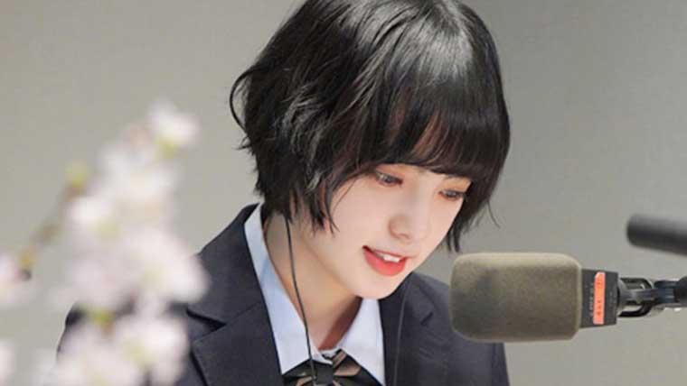 ラジオ出演中の平手友梨奈