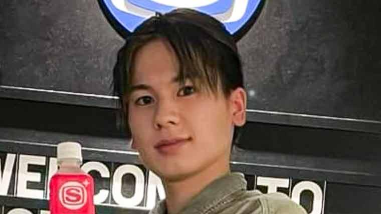 ラジオ番組出演時のマナトの髪型
